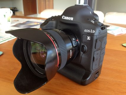 Buy New Canon 1Dx,5D mark 3 and Nikon D4,D800E camera
