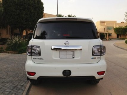 صور $2010 Nissan Patrol LE 5.6L V8 Excellent Condition 3