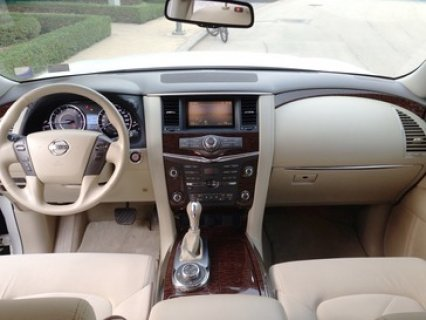 صور 2010 Nissan Patrol LE 5.6L V8 Excellent Condition 4