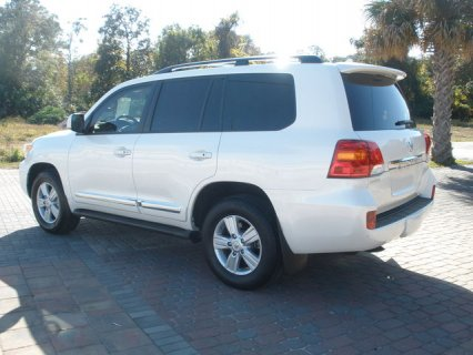For Sale my neatly used 4X4 2013 Toyota Land Cruiser SUV