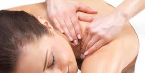 صور Royal clinic specializes in massage 2