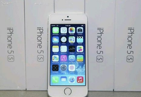 Selling :// Apple iPhone 5s 32gb Unlocked , Blackberry Porsche P
