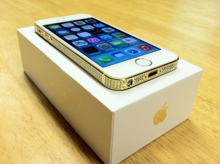 Brand New Factory Unlocked Apple iPhone 5 32GB, 64GB