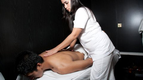 Massage & Morrocan Bath ((((( Pro. Masseuses ))))) 01226247798