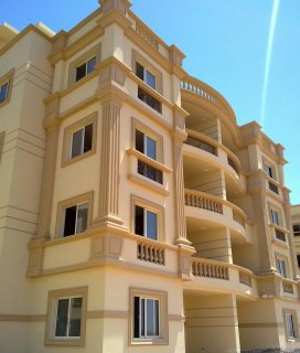 **شقة مميزة جداااااااا للبيع فى كمبوند فى اكتوبر تقسيط و تسهيلات