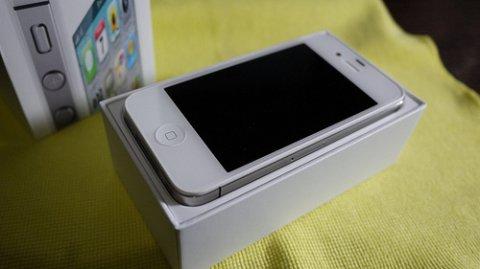 هاتف أبل اي فون 4S
