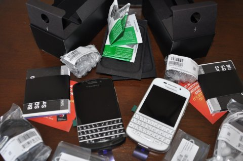 صور بيع Arabic Keyboard BB Q10 & BB Porsche 9981 Black with Special  1