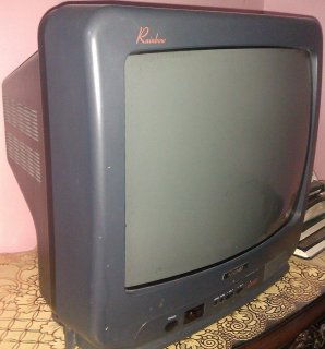 تليفزيون جولدى 21 بوصة بحالة ممتازة