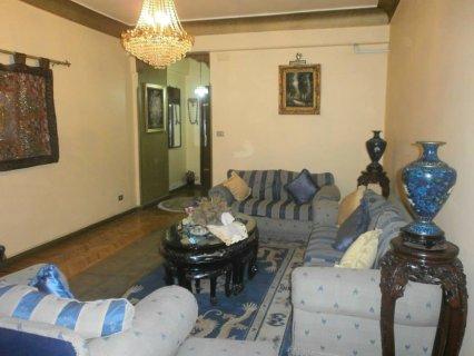 شقة 190م للبيع بشارع مصطفي النحاس الرئيسي بمدينة نصر  موقع مميز