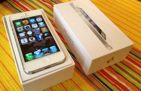ابل اي فون 5 64GB، سامسونج غالاكسي S4 وبلاك بيري Q10 - مصنع مفتو