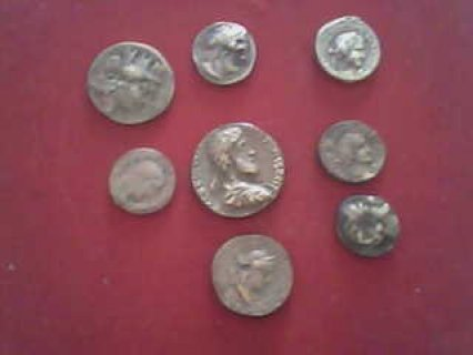 للبيع ثمانية قطع نقدية رومانية من عهد جستنيان