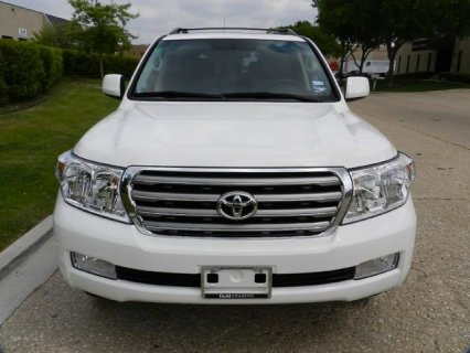VERY CLEARN USED TOYOTA LAND CRUISER 2010