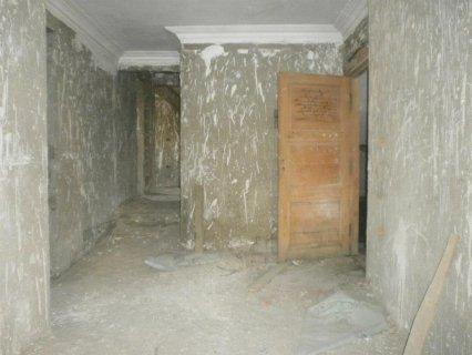 شقة 250م للبيع متفرعة من مكرم عبيد مدينة نصر ب 700 الف
