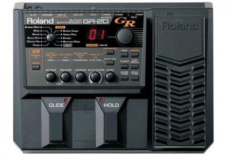 Brand new Roland GR20 synthesizer guitar