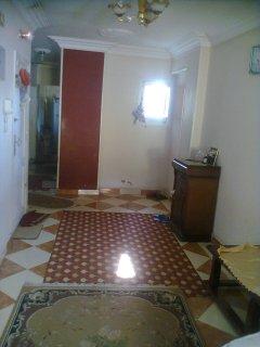 للبيع منزل بموقع جميل وسعر خيالي...جدا.....