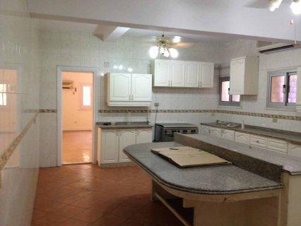 شقة للايجار مساحة 240م تصلح لجميع الاغراض - بالمعادى - بسعر مغرى