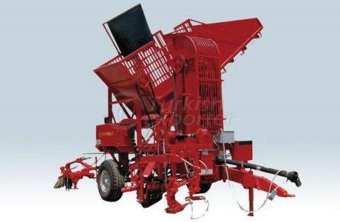 معدات حديثه لحصاد البنجر