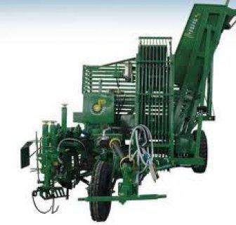 الات ومعدات حصاد البنجر