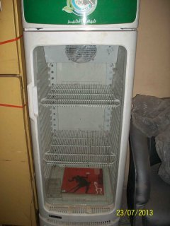 ثلاجة عرض بباب ازاز للبيع