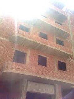 عماره للبيع بالنرجس عمارات مساحه 700متر هيكل خرسانى وطوب احمر مط