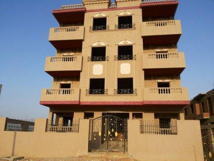 للبيع عمارة كاملة 12 شقة بالمنطقة السابعة بمدينة الشروق