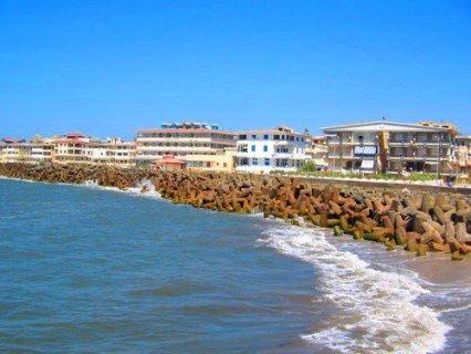 شقة للبيع بمساحة 120 متر براس البر على البحر مباشرة