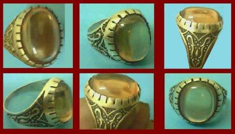 لمن يرغب فى التميز للبيع خاتم من الياقوت الهندى