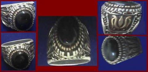 للبيع خاتم من الأوبال الأسود النادر