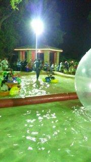حوض سباحة للبيع ومراكب مائية