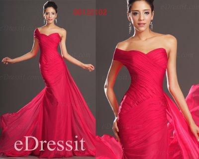 فستان السهرة الأحمر البهي