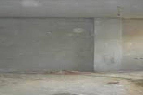 للبيع شقه فى الروف بجنوب الاكاديميه مساحه200متر مبنى 50% نصف تشط