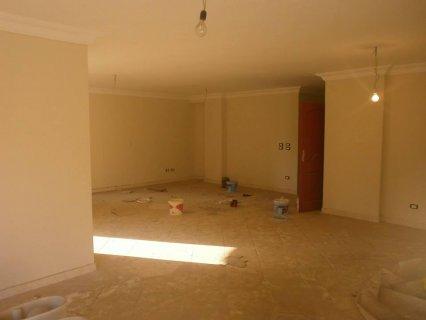 شقة 220م للبيع ببرج جديد 2013 متفرع من أحمد فخري مدينة نصر