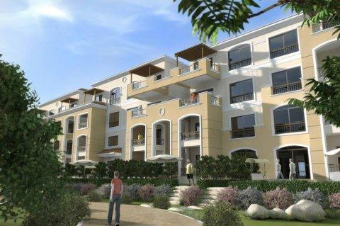 شقة للبيع بالتجمع الخامس 140 م بنص سعرها وبالتقسيط المريح