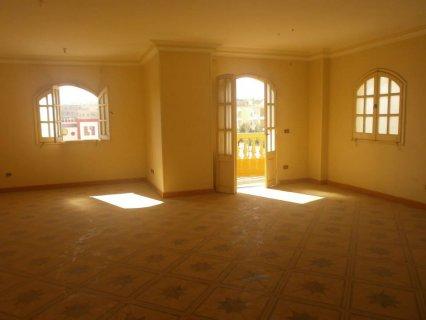شقة 200م أول سكن للإيجار بالتجمع الخامس 2700ج
