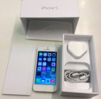 Brand New Original Apple iPhone 5 Factory Unlocked