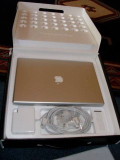 Brand New Apple Macbook Pro 13/15/17 inch i7 2.4GHz 8GB 500GB
