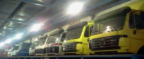 سيارات  نقل ثقيل وقطع الغيار وارد أوروبا