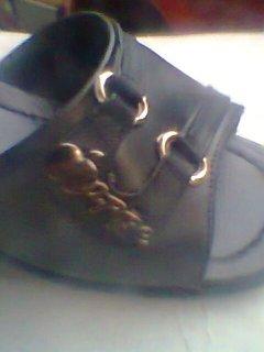 احذية والى
