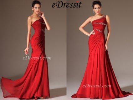 فستان السهرة الأحمر الطويل