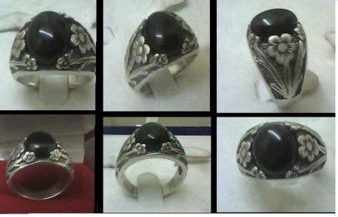 للبيع خاتم  أسبانى من الياقوت  الكولمبى الأسود