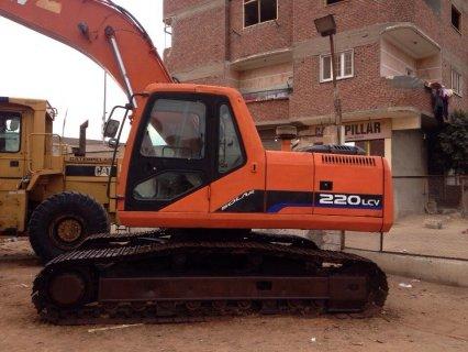 حفار دوسان 220 موديل 2003 وارد اسبانيا