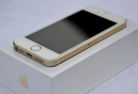 WTS :// Blackberry Porsche Design P\'9982 / iPhone 5s 64Gb Gold /