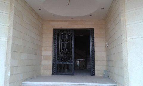 شقة بفيلا 190م للبيع بالتجمع الخامس بالنرجس 1 فيلات
