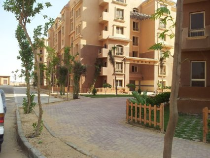 شقة للبيع بمدينة اكتوبر 70 م مقدم حجز 20 الف وقسط على خمس سنوات