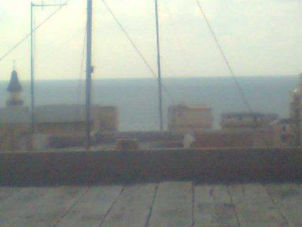 من المالك مباشرة شط سيدى بشر ترى البحر و خطوات من رمادا على شارع
