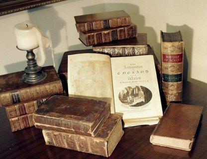 مطلوب شراء كتب بخط اليد والموسوعات العلمية والدينية والقانونية