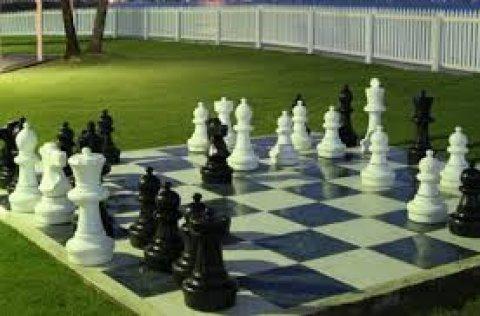 طقم شطرنج عملاق 32 قطعة بلاستيك