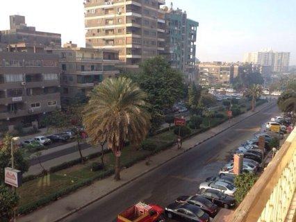 للبيع بمدينه نصر علي شارع ذاكر حسين الرئيسي بموقع مميز