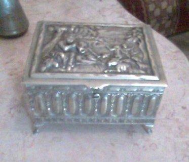 للبيع صندوق مجوهرات ( شكمجيه ) من القرن 19