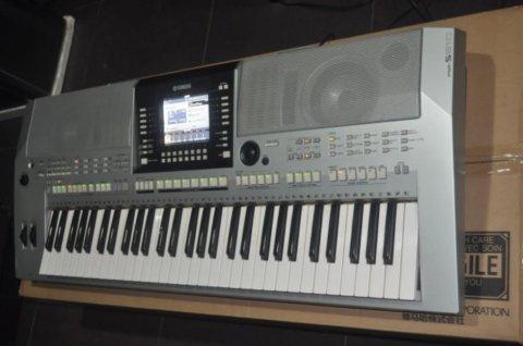 Sales : Yamaha PSR-S910 , Yanagisawa Model B-9930 ,KORG PA588 8